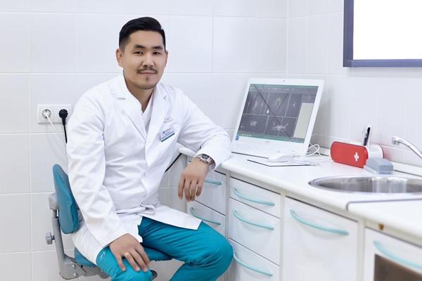 Челюстно-лицевой хирург, имплантолог Николай Намдаков